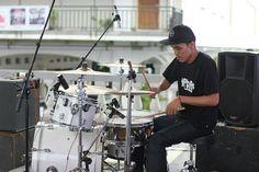 #repost @inderajaya Thanks pak guru untuk siputihnya  @yanuar_surya |  : @alipsaurus . . . #drum #drumlife #drumporn #snaredrum #snareporn #ventedsnare #ocdp #pdp #zildjian #dw9000 #remo #patricwilson #band #quartet #music #indierock #local #indie #indomusikgram #fiftyfovrclothing #hmveedenim #yogyakarta #indonesia by fiftyfovr