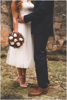 A December outdoor wedding with lovely winter details.