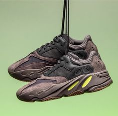"""buy online a2d06 ff67e Yeezy Boost 700 """"Mauve"""" Walk In My Shoes, Your Shoes, Yeezy Boost"""