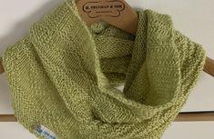 Ma version du châle Aranami - SpirouBobine Crochet, Fashion, Knit Bag, Spool Knitting, Moda, Fashion Styles, Ganchillo, Crocheting, Fashion Illustrations