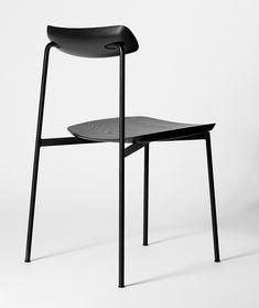 Honest design, true to materials and its process. That's the principle of Australian designer Tom Fereday. A principle that conveys a design process t...