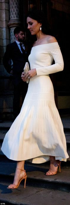 Catherine, Duchess of Cambridge leaves after announcing the Victoria and Albert Museum as the winner of the Art Fund Museum of the Year 2016 prize at a dinner hosted at the Natural History Museum on July 6, 2016 in London, United Kingdom.