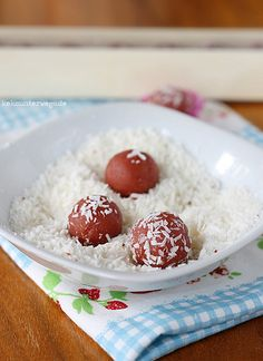 Strawberry Coconut Cake Bites by windgestalt, via Flickr