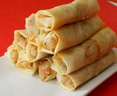 Baked Spring Rolls --- chicken breast jicama onion carrot mushrooms garlic spring onions egg spring roll wrappers oyster sauce soy sauce sesame oil Salt and pepper Appetizer Recipes, Snack Recipes, Cooking Recipes, Appetizers, Healthy Baking, Healthy Snacks, Baked Spring Rolls, Asian Cooking, Asian Recipes