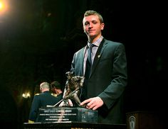 Jimmy Vesey is this year's recipient of the prestigious Hobey Baker Memorial Award. The event took place in Tampa Theatre, Florida and viewed live via NHL Network. Vesey is the fourth charm from Harvard to receive the trophy after Mark Fusco, Scott Fusco and Lane MacDonlad.