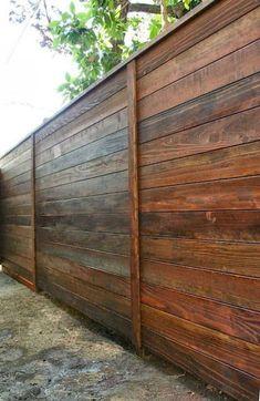 Really want a privacy fence 62 easy cheap backyard privacy fence design ideas Cheap Privacy Fence, Privacy Fence Designs, Backyard Privacy, Diy Fence, Backyard Fences, Backyard Landscaping, Fence Gate, Garden Fencing, Garden Privacy