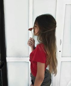 Solo Photo, Cute Photography, Foto Instagram, Poses For Photos, Photos Tumblr, Foto Pose, Red Aesthetic, Female Photographers, Tumblr Girls