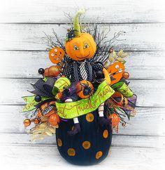 Tall Halloween Arrangement, Pumpkin Decor, Trick or Treat Decor, Halloween Home Decor, Pumpkins for Halloween Whimsical Halloween, Halloween Home Decor, Halloween House, Halloween Decorations, Halloween Centerpieces, Diy Arts And Crafts, Fall Crafts, Fall Pumpkins, Halloween Pumpkins