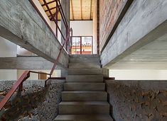 Image 5 of 39 from gallery of Angatuba House / messina Messina, Concrete Column, Construction Process, Design Strategy, Walkway, The Neighbourhood, Brick, Stairs, Gallery