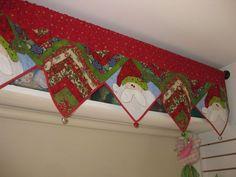 Resultado de imagen para cortinas navideñas con luces Christmas Stockings, Christmas Tree, Christmas Ideas, Halloween, Patches, Curtains, Quilts, Holiday Decor, Home Decor