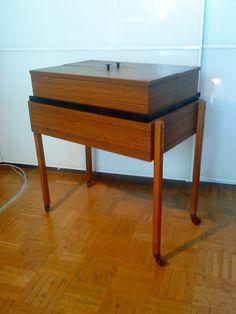 AREA Vintage & Diseño: MUEBLE AUXILIAR DISEÑO AÑOS 60. VINTAGE