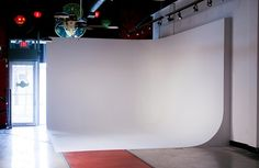 Example of a 2 wall cyclorama for shooting subjects / products. I'd say this is 12x12x12