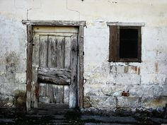 Old-door-and-window-4ca66165eba3f_hires.jpg (3264×2448)