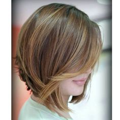 100 Mind-Blowing Short Hairstyles for Fine Hair Angled layered bob with caramel highlights Medium Short Hair, Short Hair Cuts For Women, Medium Hair Styles, Natural Hair Styles, Short Hair Styles, Medium Long, Short Hairstyles Fine, Haircuts For Fine Hair, Bob Hairstyles