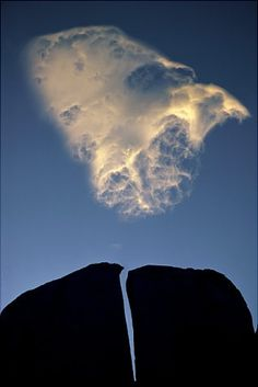 Split rock and cloud, Eastern Sierra (California, 1976), by Galen Rowell I can't pin from Galen's website, so I had to find his photo(s) elsewhere. http://www.mountainlight.com/