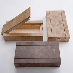 Woodworking with easy wood projects plans is a great hobby but we show you how to get started with the best woodworking plans to save you stress & cash on your woodworking projects Woodworking Box, Woodworking Projects Diy, Woodworking Machinery, Wooden Art, Wooden Crafts, Wood Box Design, Design Design, Box Maker, Easy Wood Projects