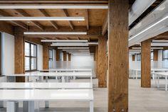 Gallery of Wooden Office / AB CHVOYA - 14