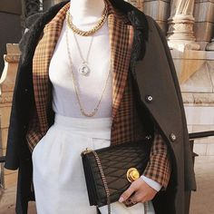 Layering Jacket and Coat: the Fashion Editor Styling Hack Look Fashion, Fashion Clothes, Street Fashion, Fashion Women, Winter Fashion, Fashion Outfits, Fashion Tips, Fashion Websites, Trendy Fashion