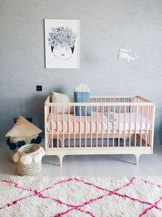Habitación de bebé en gris y rosa ¡cool! - Decoración Bebés
