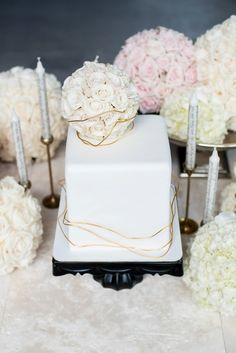 Square cake: http://www.stylemepretty.com/little-black-book-blog/2015/04/06/glamorous-industrial-bridal-inspiration/ | Photography: Mikkel Paige - http://www.mikkelpaige.com/