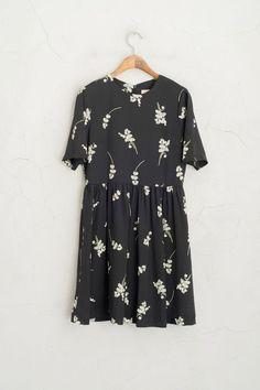 Big White Flower Print Short Sleeve Dress, Black, 100% Polyester - top dress stores, maxi dresses online, long summer dresses *ad