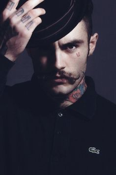 Use your head. Zappos Couture, Most Stylish Men, Hipster Beard, Perfect World, Beard Styles, Facial Hair, Bearded Men, Beautiful Eyes, Tattoos For Guys