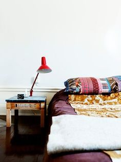bed on the floor. this is so cute!