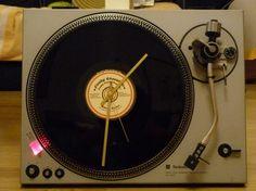 Tuto horloge platine vinyle - Par cadbury sur le #cdb