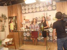 Apresentação no Programa Vida Melhor, na Rede Vida de Televisão, apresentado por Cláudia Tenório.   Aprenda a fazer a Garrafa para Canto de Sala. Acesse:  http://redevida.com.br/programa/vida-melhor/artesanato/aprenda-fazer-uma-incrivel-decoracao-em-garrafas.html