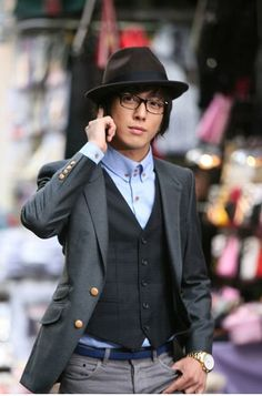There's something to be said for the styling in Korean dramas. CN Blue's Jung Yong Hwa as Kang Shin Woo in You're Beautiful