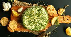 Domácí veganský sýr s česnekem a bylinkami
