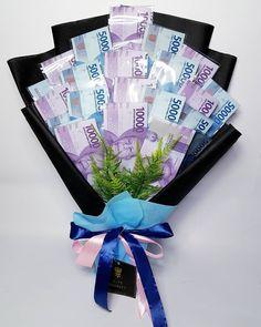 Food Bouquet, Gift Bouquet, Money Box Wedding, Wedding Boxes, Creative Birthday Gifts, Birthday Diy, Money Flowers, Diy Flowers, Chocolate Flowers Bouquet