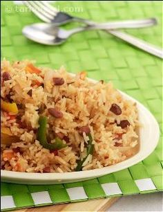 Quick to make and delicious to eat! Healthy version of Mexican delicacy, most popular with many of us. Capsicum adds colour and vitamin C whereas milk rice adds protein and calcium in addition to the flavour. Garlic adds its unique flavour and rajmah gives that Mexican appeal.