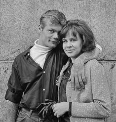 Ismo Hölttö: Kohtaamisia 1960-luvun Helsingissä - Hakasalmen huvila Helsinki, Vietnam, Nostalgia, Couple Photos, Couples, Couple Shots, Couple Photography, Couple, Couple Pictures