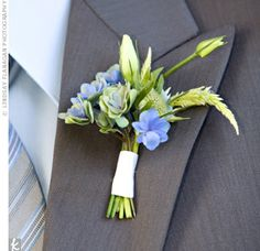 Instead of a single bloom, Steve's boutonniere looked more like a mini bouquet and was as organic as Jessica's flowers.