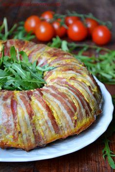 Drob de curcan in manta de bacon   CAIETUL CU RETETE Romanian Food, Mince Meat, Ratatouille, Meatloaf, Baked Potato, Chicken Recipes, Bacon, Appetizers, Food And Drink