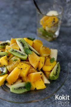 Kokit ja Potit -ruokablogi: Vaniljainen hedelmäsalaatti #appelsiini #kiivi #päärynä #mango #passionhedelmä