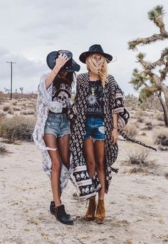 Imagen vía We Heart It https://weheartit.com/entry/156991161/via/28381587 #boots #fashion #girls #grunge #hipsters #outfit #outfits #style