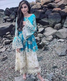 Simple Dresses, Nice Dresses, Casual Dresses, Fashion Dresses, Pakistani Outfits, Indian Outfits, Ethnic Fashion, Indian Fashion, Women's Fashion