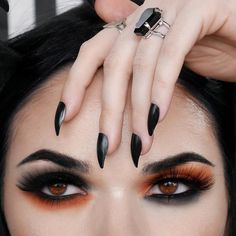 Black and orange everything🍁☠️🖤🧡🎃🕸 📸 Black Goth Makeup, Black Makeup Looks, Sugar Skull Halloween Costume, Cool Halloween Makeup, Halloween Costumes, Halloween Stuff, Halloween Party, Witchy Makeup, Skeleton Makeup