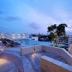 Rooftop swimming pool at Chillax Resort Bangkok.  Website: http://ift.tt/1RNf9j7 Reservation : rsvn@chillaxresort.com #chillax #chill #bangkok #instabangkok #thailand #resort #swimmingpool #pool #nightlife #travel #vacation #loveit #boutiquehotel #Luxuryhotel #romantichotel #hotel #honeymoon
