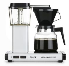 Enjoy barista-quality coffee in your home with a new coffee maker. Shop from top coffee maker brands like Keurig, Bunn, and Mr. Best Drip Coffee Maker, Coffee Maker Machine, Coffee Machines, Coffee Maker Reviews, Best Espresso Machine, Pour Over Coffee, Coffee Type, Coffee Shop, Knight