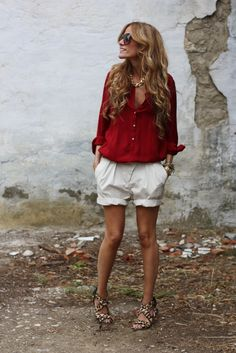 red blouse, boyfriend shorts and leopard sandals