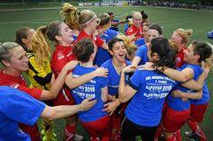 Mannschaft gewinnt gegen MSV Duisburg II mit 4:0 +++  Arminia-Frauen steigen in 2. Fußball-Bundesliga auf