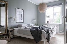 Birger Jarlsgatan 24 E, Kungsladugård 2 r o k / 51,5 kvm - 2 700 000kr @bjurfors_goteborg @styledbyemmahos #aptgbg #interiordesign #interior #inspiration #inspire #realestate #bedroom #bedroomdecor #woodfloor #ikea #lamp #light #window #mirror #blue #style #stylish #trend #modern #bedlinen #interior4all #details #lovely #home #interior123 #nordic #bed #decor #sleep #forsale