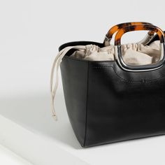 ZARA - COLLECTION SS16 - TOTE WITH HANDLE DETAIL