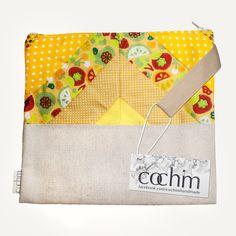 Bolsa em patchwork Feita à mão.  Disponível em: www.madeinazores.eu