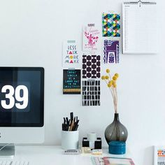 ポストカードのおしゃれな飾り方・壁インテリア集【クリップ・紐】 | DECOR NOTE