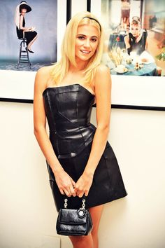 English singer and actress Pixie Lott was edgy chic as she was spotted at Audrey Hepburn exhibition at the National Portrait Gallery in London,… Black Leather Pencil Skirt, Leder Outfits, Girl Fashion, Fashion Outfits, Sexy Outfits, Europe Fashion, Leather Dresses, Leather Skirts, Celebrity Outfits