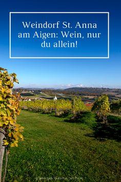 Kleine Häuser, schmale Gassen und ein Blick, der einen in die Knie gehen lässt. St. Anna am Aigen ist äußerst charmant und unsterblich verliebt. Und zwar in Wein. Nicht umsonst hat sich die Gesamtsteirische Vinothek dieses lauschige Platzerl ausgesucht, um Wein aus drei Regionen herzuzeigen. 💚🍷🍇 #DeinMehrUrlaub Vineyard, Anna, Outdoor, Glamour, Little Houses, In Love, Culture, Outdoors, Vine Yard
